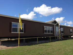 large 32 wide by 76 long 4 5 bedroom 2 bath double wide