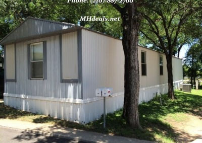 1997 Oakwood used single wide manufactured home- Mustang Ridge, TX