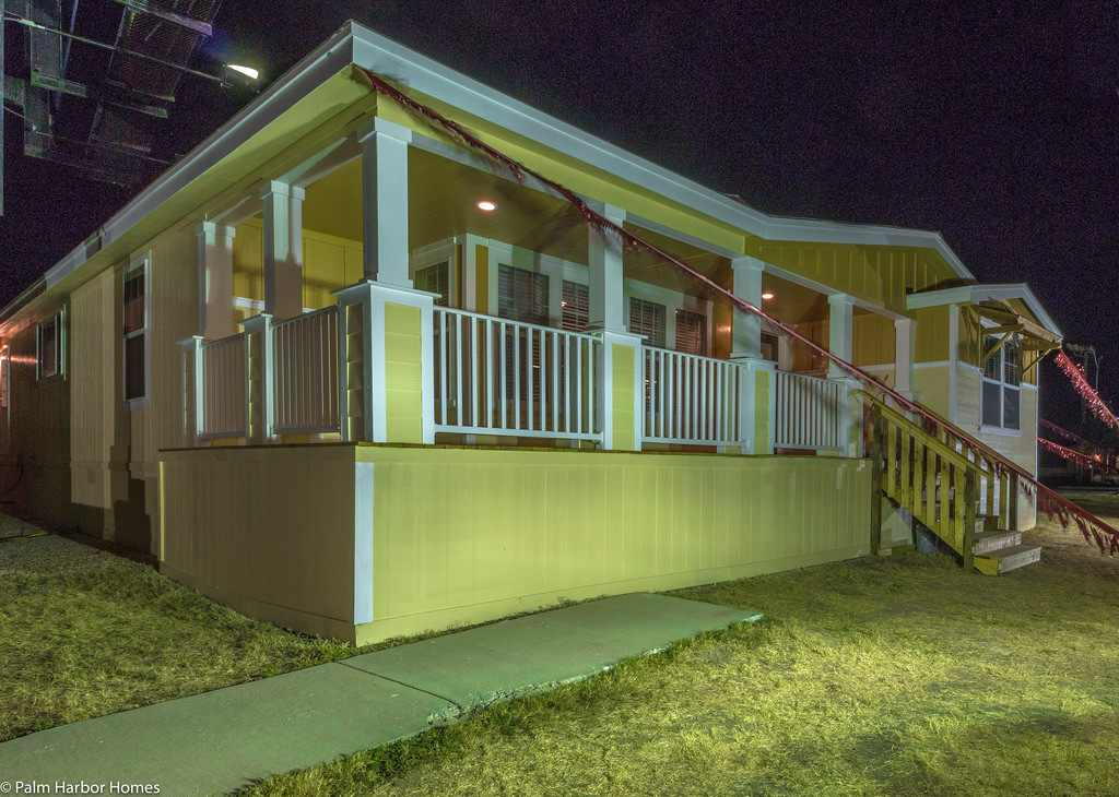 Simple triple wide mobile homes louisiana placement for Triple net houses