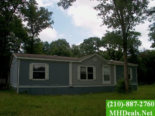 3 bed 2 bath Used Mobile Home -2005 Oak Creek