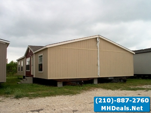 Like new 4 bed 2 bath manufactured home- San Antonio, TX