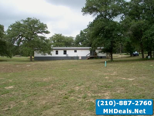 4 bed 3 bath home and land-Adkins, TX
