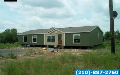 4 bed 2 bath like new doublewide mobile home- San antonio texas