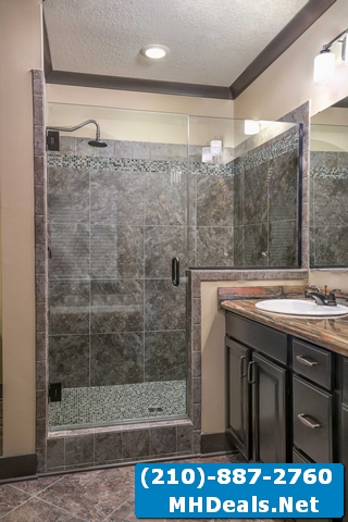 Master bathroom 3
