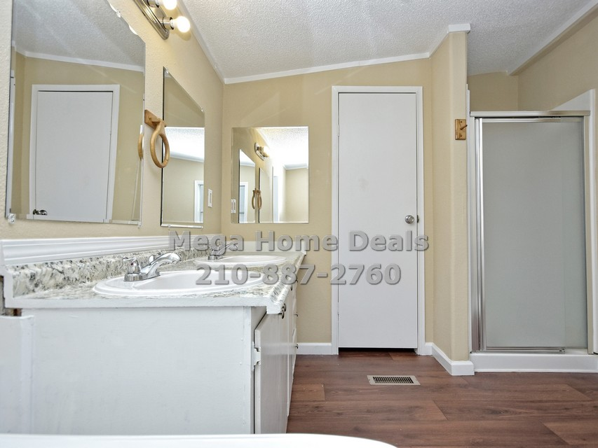 4 bedroom 3 bathroom adkins texas land and home for sale014