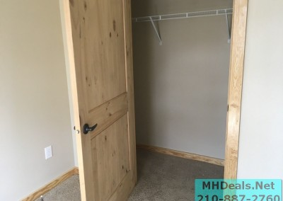 2 bedroom 1 bath cedar sided porch cabin closet