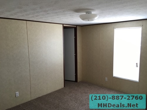 3 bed 2 bath doublewide mobile home master bedroom