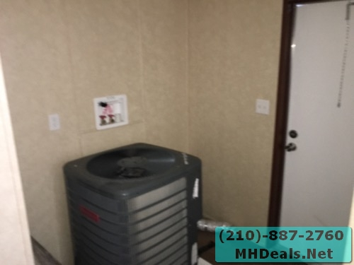 3 bed 2 bath doublewide mobile home utility