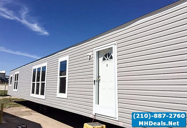 Wind Zone 2 Beautiful Manufactured home Exterior 2
