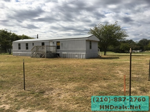 3 bed 2 bath used singlewide home and land – Poteet, TX