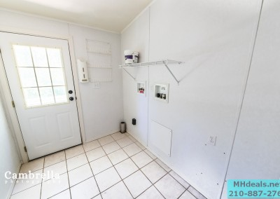 INTERIOR LAND HOME FOR SALE LAUNDRY