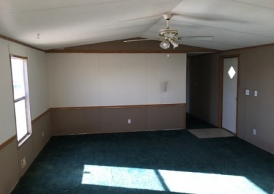 Living Room Cheap good looking used singlewide-New Braunfels