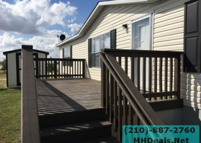 4 bedroom 2 bathroom large used doublewide manufactured home Exterior 2