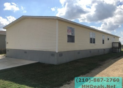 4 bedroom 2 bathroom large used doublewide manufactured home Exterior 4