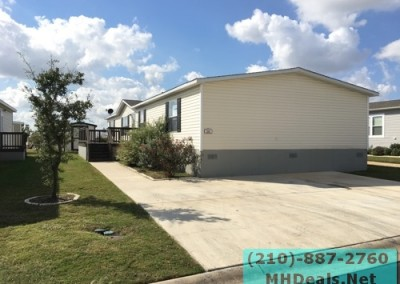 4 bedroom 2 bathroom large used doublewide manufactured home Exterior