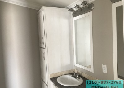 2 bed 2 bath Palmer dual mirror and sinks