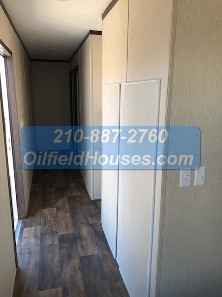 5 bed 5 Bath Oilfield House Hallway