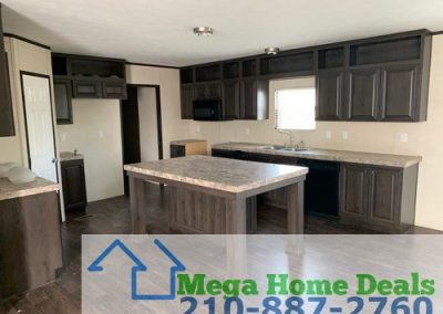 5 bed 3 bath doublewide-san antonio Kitchen