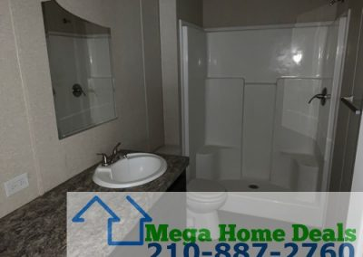 5 bed 3 bath doublewide-san antonio bathroom 2