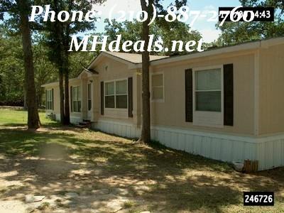 Doublewide manufactured home 1996 Oak Creek-San Antonio, Texas