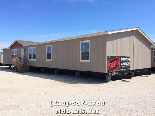 New Braunfels Texas 4 bed used doublewide home- 2012 Oak Creek