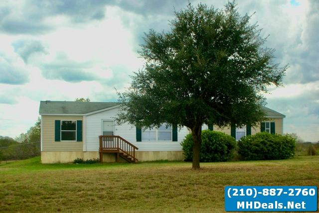 3 bed 2 bath beautiful home in adkins texas