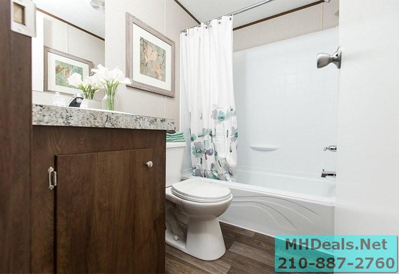 2 bed 2 bath New Singlewide Home Clayton Delight Bathroom