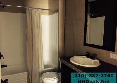 Bathroom Lytle 3 bed 2 bath 2014 Clayton Powerhouse