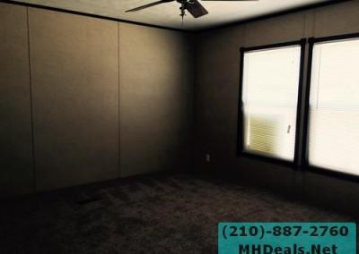 Master bedroom Lytle 3 bed 2 bath 2014 Clayton Powerhouse