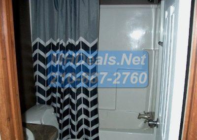 2012 Clayton Extreme repo- seguin Bathroom