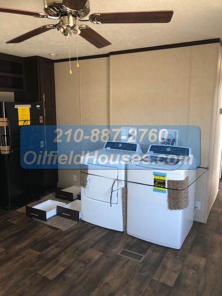 5 bed 5 Bath Oilfield House Dryer washer