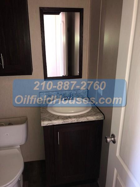 5 bed 5 Bath Oilfield House bathroom 2