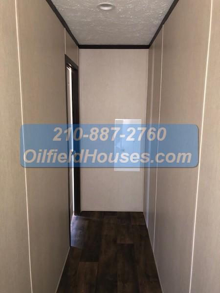 5 bed 5 Bath Oilfield House hallway 4
